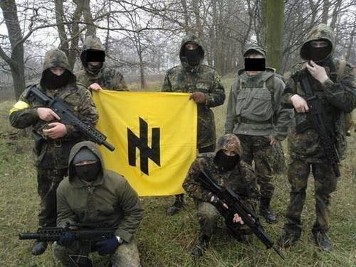 Οι ναζί συστατικό μέρος του ουκρανικού καθεστώτος. Τώρα τους ανακάλυψαν και τα δυτικά ΜΜΕ (φωτογραφίες+βίντεο)