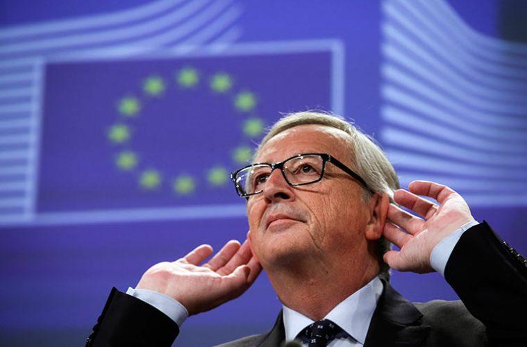Juncker-gesture-759x500