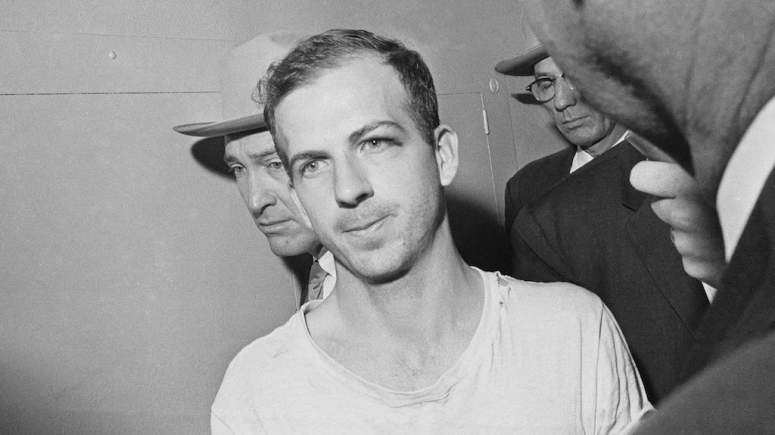 242387g-130802-lee-harvey-oswald-fender-tease_kd2kdq000000000